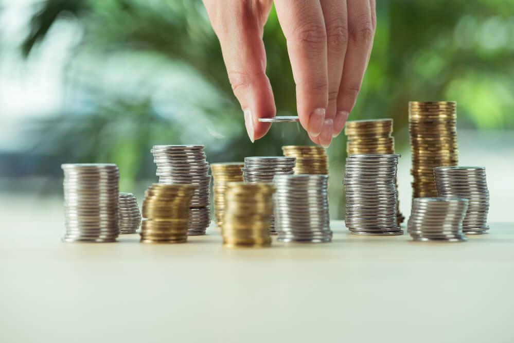 Vermögensaufbau durch Sparen und Geld investieren
